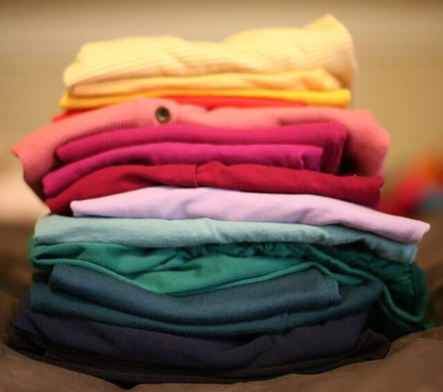folded-t-shirts-pixabay