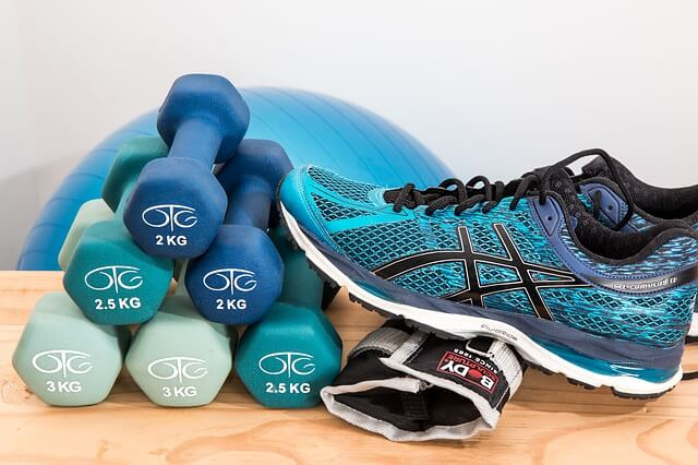 dumbbells-shoes-pixabay