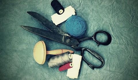 scissors-tailor-suit_pixabay-mardistas