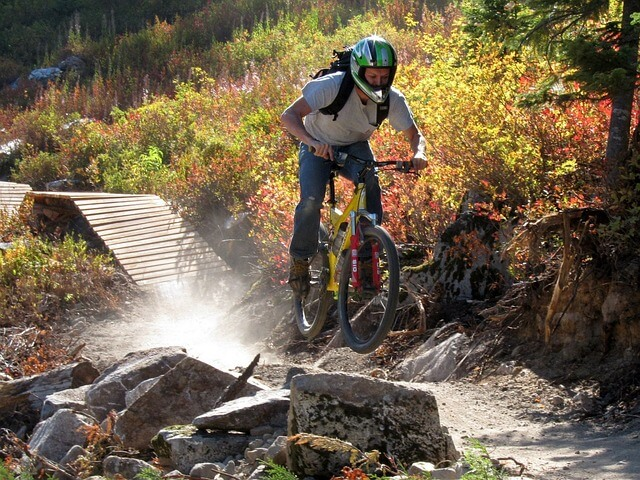 mountain-biking-pixabay