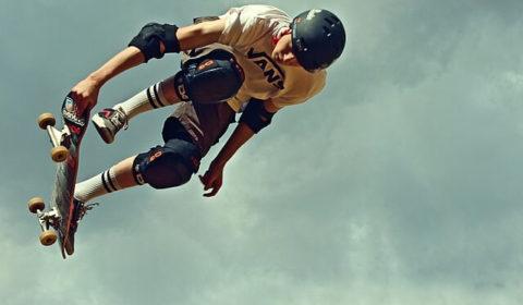 skateboarder-vans-t-shirt-pixabay