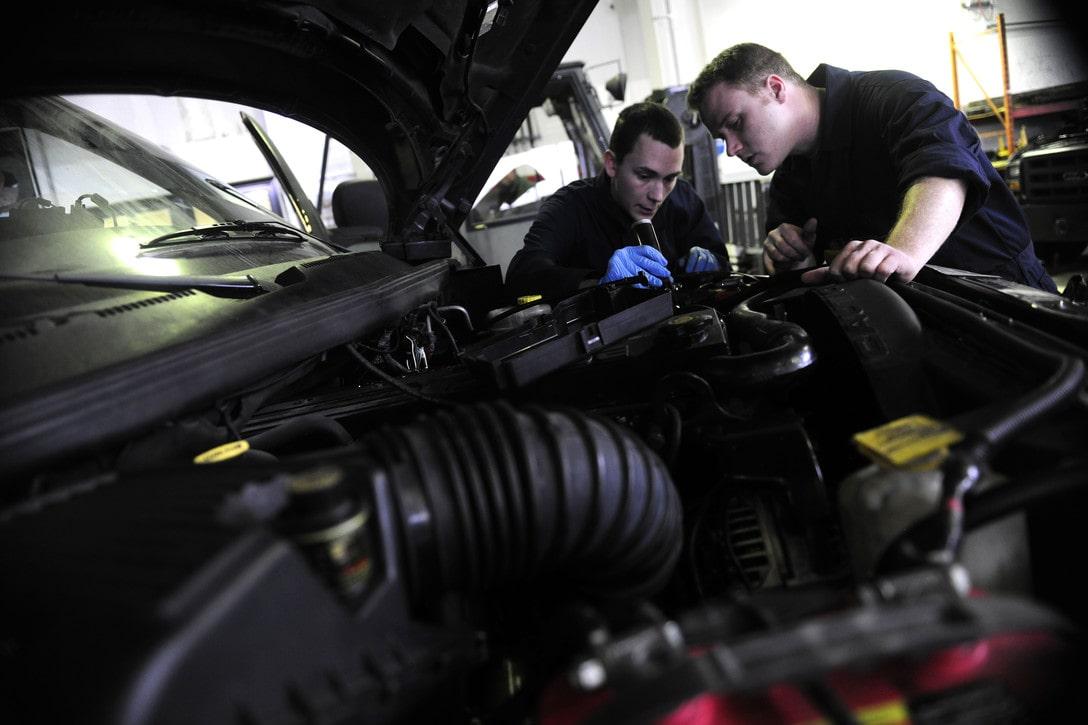 Maintaining a Car Engine-min