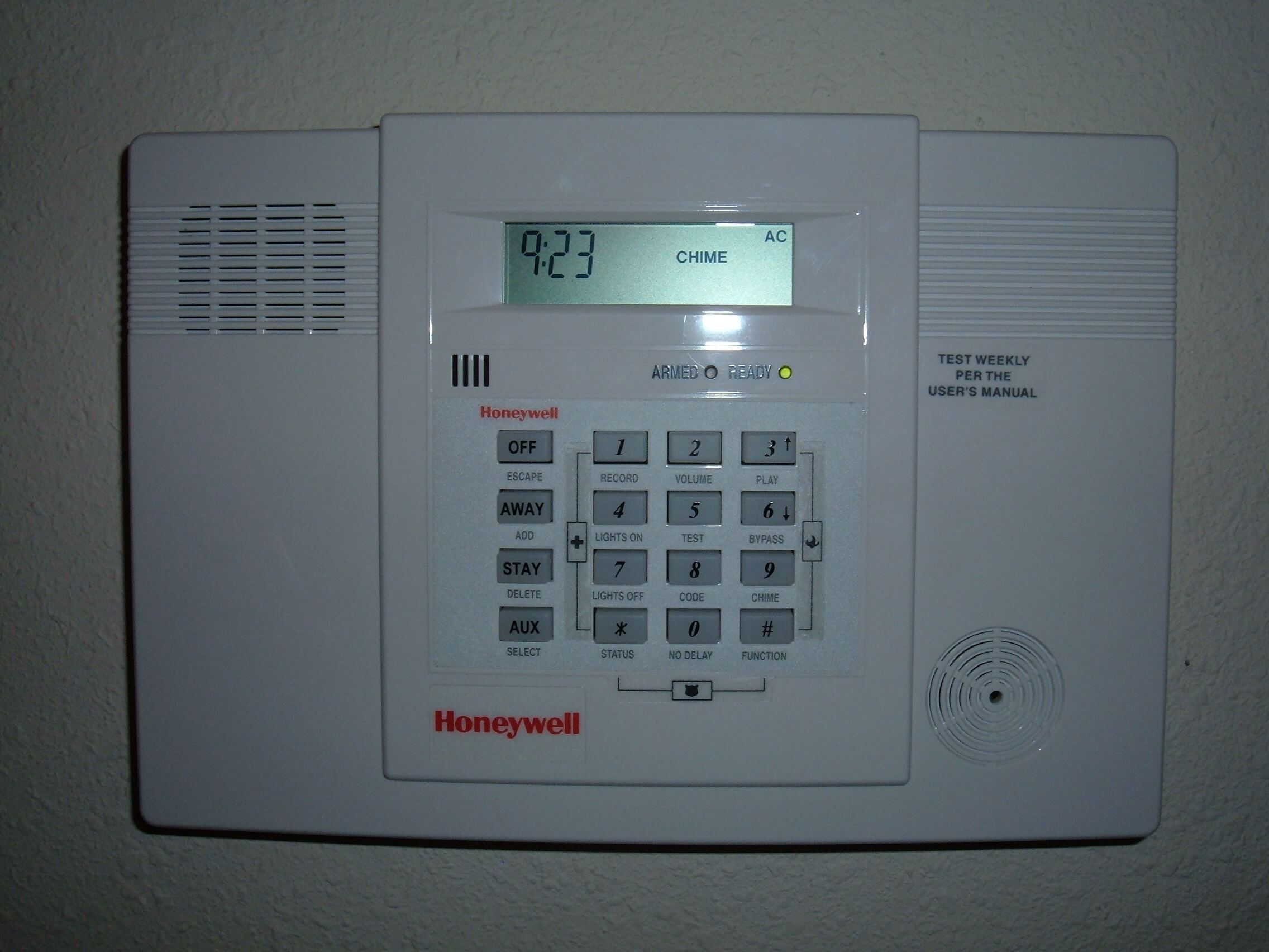 Honeywell-home-alarm-wikimedia