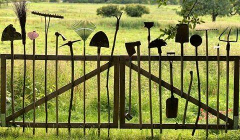gardening-tools-pixabay