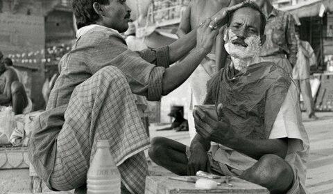 Indian roadside barber pixabay